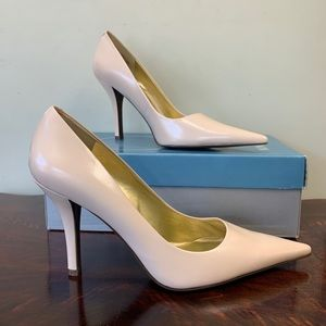 Nine West // Honore Ivory Leather Point Toe Heels